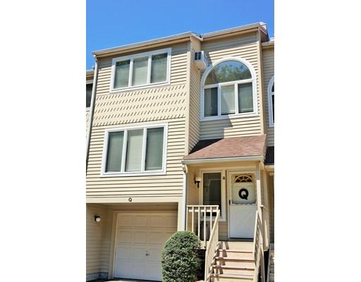 شقة بعمارة للـ Sale في 201 New State Road #Q Manchester, Connecticut 06042 United States