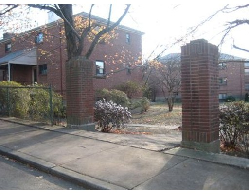 Additional photo for property listing at 83 Norwood Avenue  牛顿, 马萨诸塞州 02459 美国