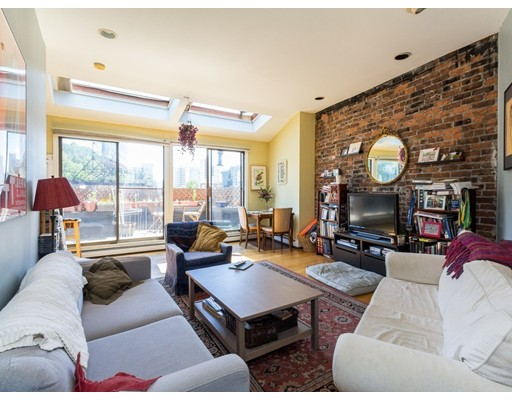 390 Riverway 25, Boston, MA 02115