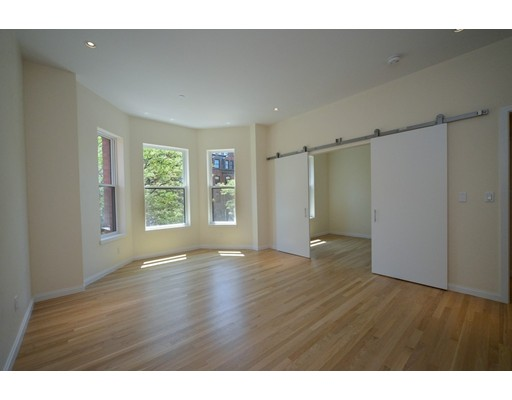 Additional photo for property listing at 209 Newbury Street  Boston, Massachusetts 02116 Estados Unidos