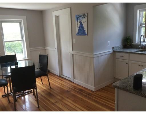 Casa Unifamiliar por un Alquiler en 142 Morton Street Stoughton, Massachusetts 02072 Estados Unidos