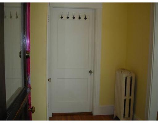 Additional photo for property listing at 20 Priscilla Road  Boston, Massachusetts 02135 Estados Unidos