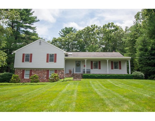 Casa Unifamiliar por un Venta en 9 Blacksmith Road Cumberland, Rhode Island 02864 Estados Unidos