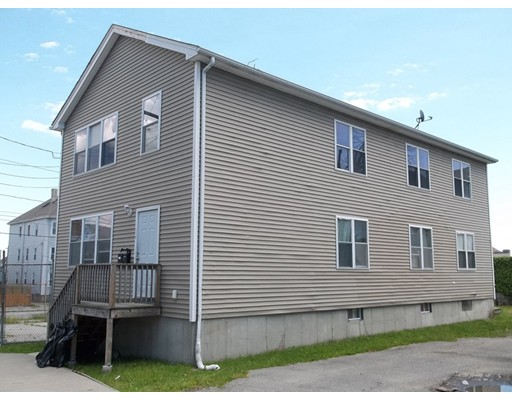 Additional photo for property listing at 178 Collette Street 178 Collette Street New Bedford, Massachusetts 02746 États-Unis