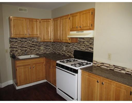 Casa Unifamiliar por un Alquiler en 21 Harold Street Boston, Massachusetts 02119 Estados Unidos