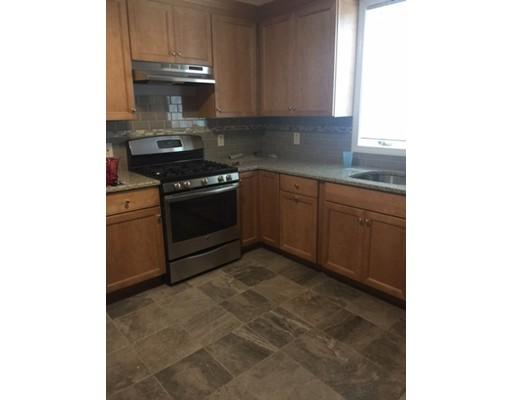 独户住宅 为 出租 在 107 Wordsworth Street 波士顿, 马萨诸塞州 02128 美国