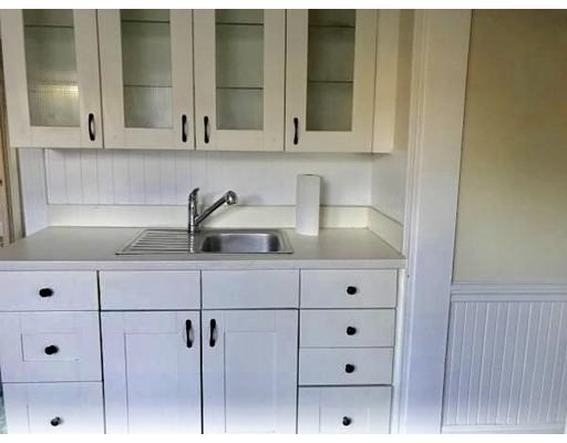 独户住宅 为 出租 在 163 Roslindale Avenue 波士顿, 马萨诸塞州 02131 美国
