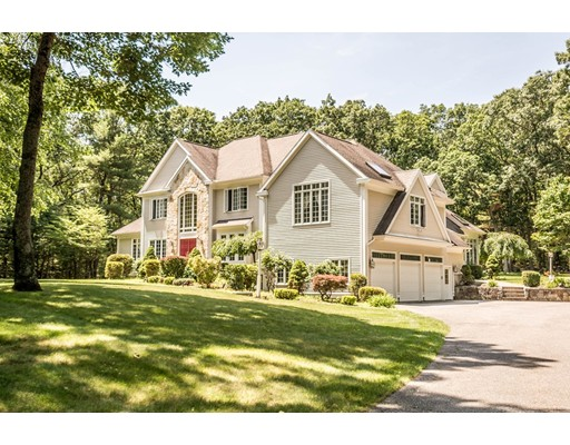 3 Canterbury Ln, North Reading, MA 01864