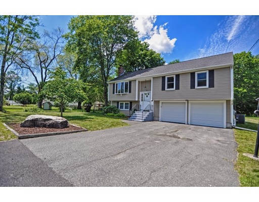 Single Family Home for Sale at 4 Harborwood Drive Franklin, Massachusetts 02038 United States