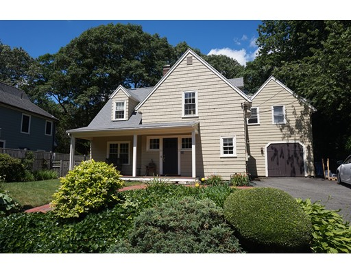 Casa Unifamiliar por un Alquiler en 33 Manchester Road Newton, Massachusetts 02461 Estados Unidos