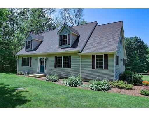 独户住宅 为 销售 在 12 Bennett Lane Holland, 马萨诸塞州 01521 美国