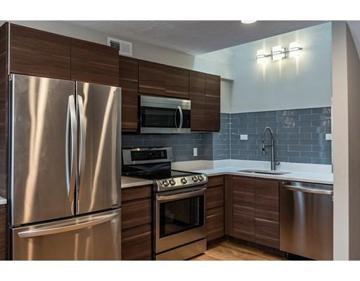 Nhà chung cư vì Bán tại 74 Regent Circle Brookline, Massachusetts 02445 Hoa Kỳ