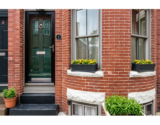 1 Greenwich Ct, Boston, MA 02120