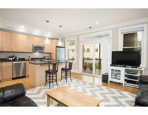 独户住宅 为 出租 在 580 East 3rd Street 波士顿, 马萨诸塞州 02127 美国