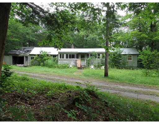 Single Family Home for Sale at 43 E River Road 43 E River Road Middlefield, Massachusetts 01098 United States