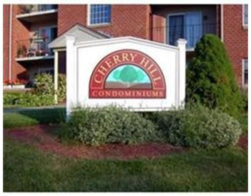 Additional photo for property listing at 14 Maple Crest Circle  Holyoke, Massachusetts 01040 United States