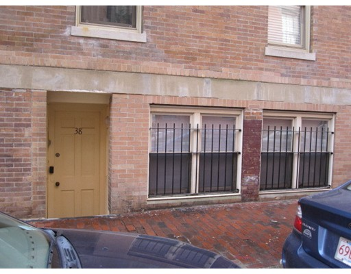 Additional photo for property listing at 38 Phillips Street  Boston, Massachusetts 02114 United States