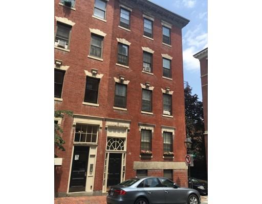 Casa Unifamiliar por un Alquiler en 9 Revere Street Boston, Massachusetts 02114 Estados Unidos
