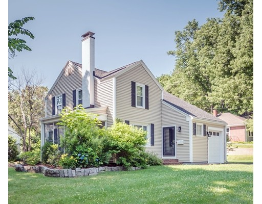 2 Castle Heights Rd, Andover, MA 01810