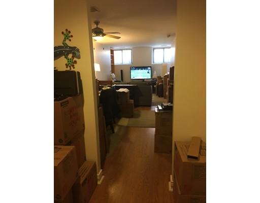 Casa Unifamiliar por un Alquiler en 10 Weston Avenue Quincy, Massachusetts 02170 Estados Unidos