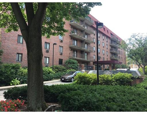 独户住宅 为 出租 在 125 Pleasant street 布鲁克莱恩, 马萨诸塞州 02446 美国
