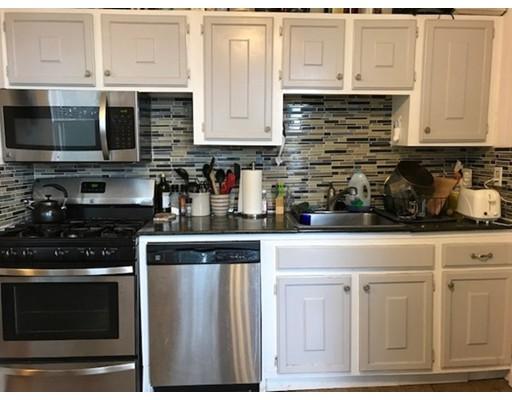 Casa Unifamiliar por un Alquiler en 66 Russell Boston, Massachusetts 02129 Estados Unidos