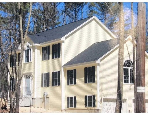 Single Family Home for Sale at 157 Tibbett Circle 157 Tibbett Circle Fitchburg, Massachusetts 01420 United States