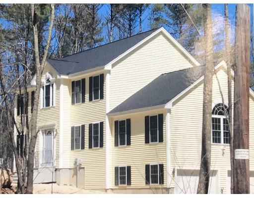 Maison unifamiliale pour l Vente à 157 Tibbett Circle Fitchburg, Massachusetts 01420 États-Unis