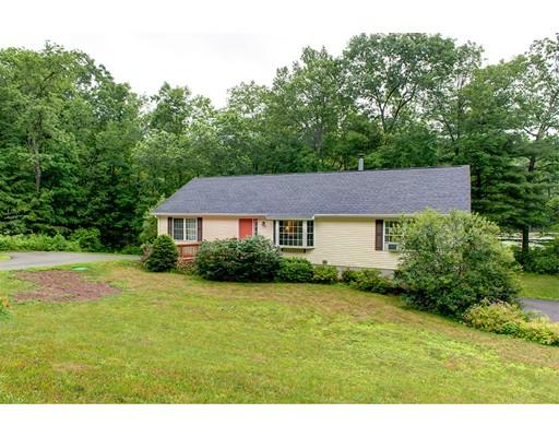 Casa Unifamiliar por un Venta en 64 Farm Pond Road Oakham, Massachusetts 01068 Estados Unidos