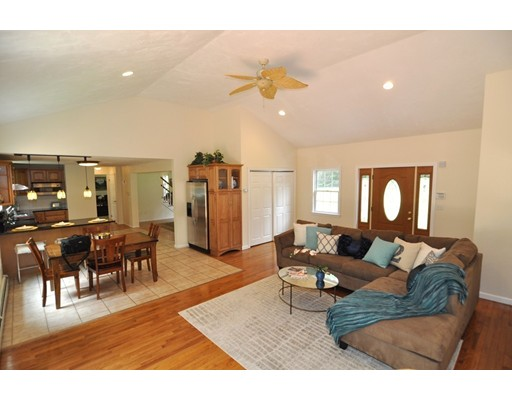 Picture 5 of 88 Forrest Rd  Westford Ma 4 Bedroom Single Family