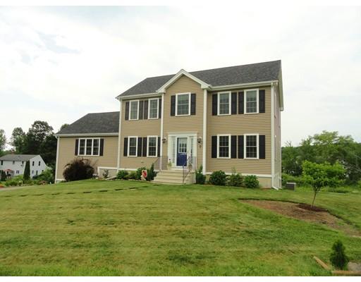 Maison unifamiliale pour l Vente à 7 William Circle Rutland, Massachusetts 01543 États-Unis