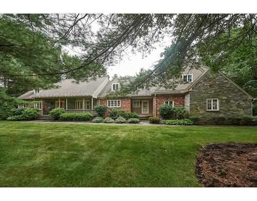 واحد منزل الأسرة للـ Sale في 15 Ridge Road 15 Ridge Road Norfolk, Massachusetts 02056 United States
