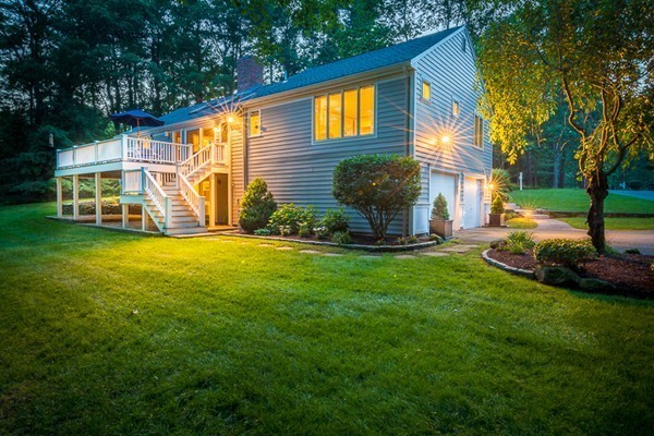 Property for sale at 17 Thompson Lane, Topsfield,  MA 01983