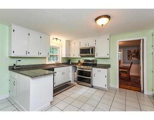 20 Woodridge Rd, Dover, MA, 02030