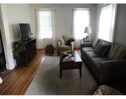 Additional photo for property listing at 957 South Street  Boston, Massachusetts 02131 Estados Unidos