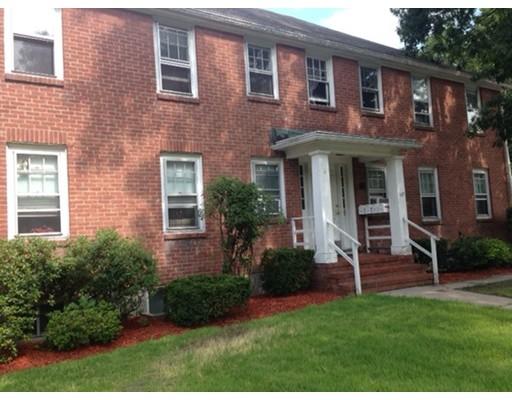Casa Unifamiliar por un Alquiler en 127 Faxon Park Drive Quincy, Massachusetts 02169 Estados Unidos