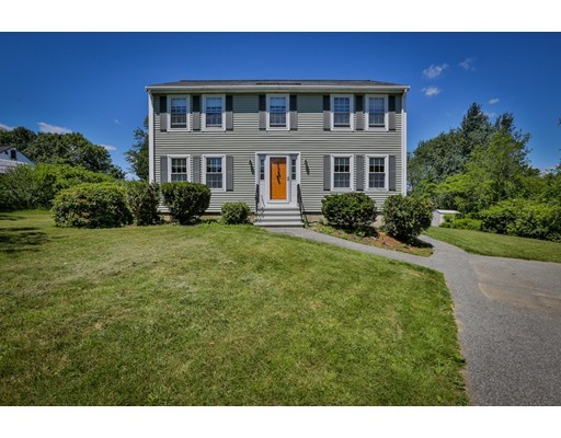 Single Family Home for Sale at 3 Stacey Lane Amesbury, Massachusetts 01913 United States