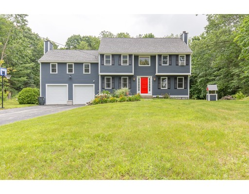 Casa Unifamiliar por un Venta en 1 Kenneth Road Sandown, Nueva Hampshire 03873 Estados Unidos