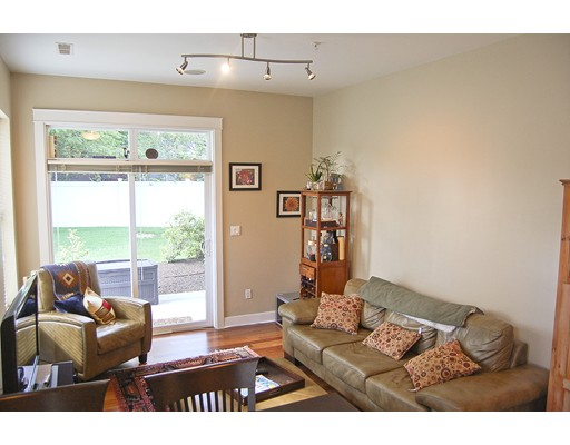 Additional photo for property listing at 31 Wheeler Street  Cambridge, Massachusetts 02138 Estados Unidos