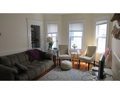 Casa Unifamiliar por un Alquiler en 97 Beacon Somerville, Massachusetts 02143 Estados Unidos