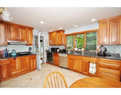 Single Family Home for Sale at 454 Maple Street Carlisle, Massachusetts 01741 United States