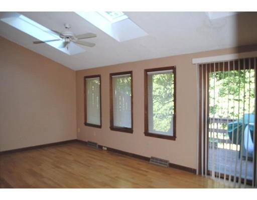 شقة بعمارة للـ Rent في 10 Castle Hills #F Agawam, Massachusetts 01001 United States