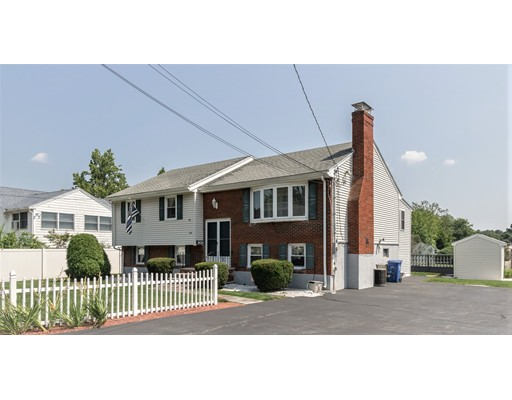 Single Family Home for Sale at 337 Vernon Street Wakefield, 01880 United States