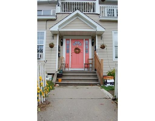 多户住宅 为 销售 在 231 Cabot Street 231 Cabot Street Holyoke, 马萨诸塞州 01040 美国