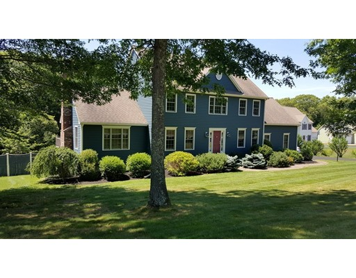 واحد منزل الأسرة للـ Sale في 130 Northridge Drive East Bridgewater, Massachusetts 02333 United States