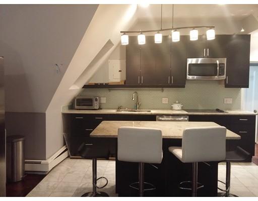 独户住宅 为 出租 在 49 Grove 牛顿, 马萨诸塞州 02466 美国
