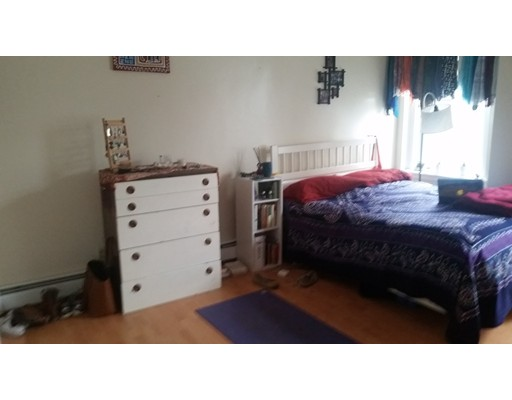 独户住宅 为 出租 在 29 Lambert Street 波士顿, 马萨诸塞州 02119 美国