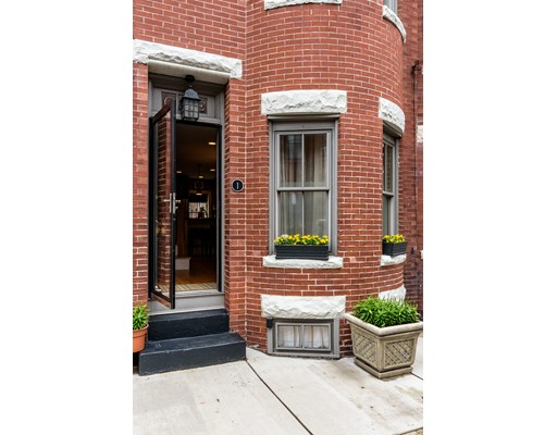 1 Greenwich Ct 1, Boston, MA 02120
