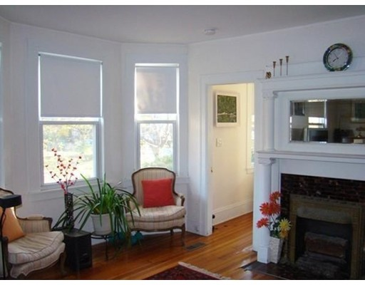 独户住宅 为 出租 在 45 Waverley 牛顿, 马萨诸塞州 02458 美国