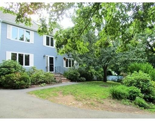 Casa Unifamiliar por un Alquiler en 38 Magnolia Road (Rental) Sharon, Massachusetts 02067 Estados Unidos